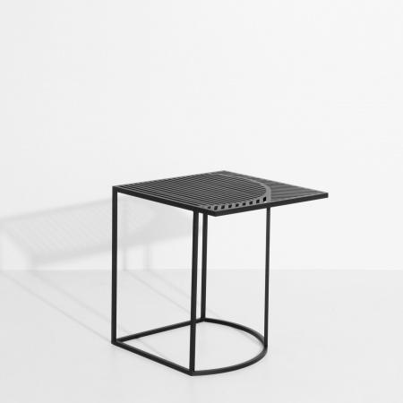 Table d'appoint carrée...